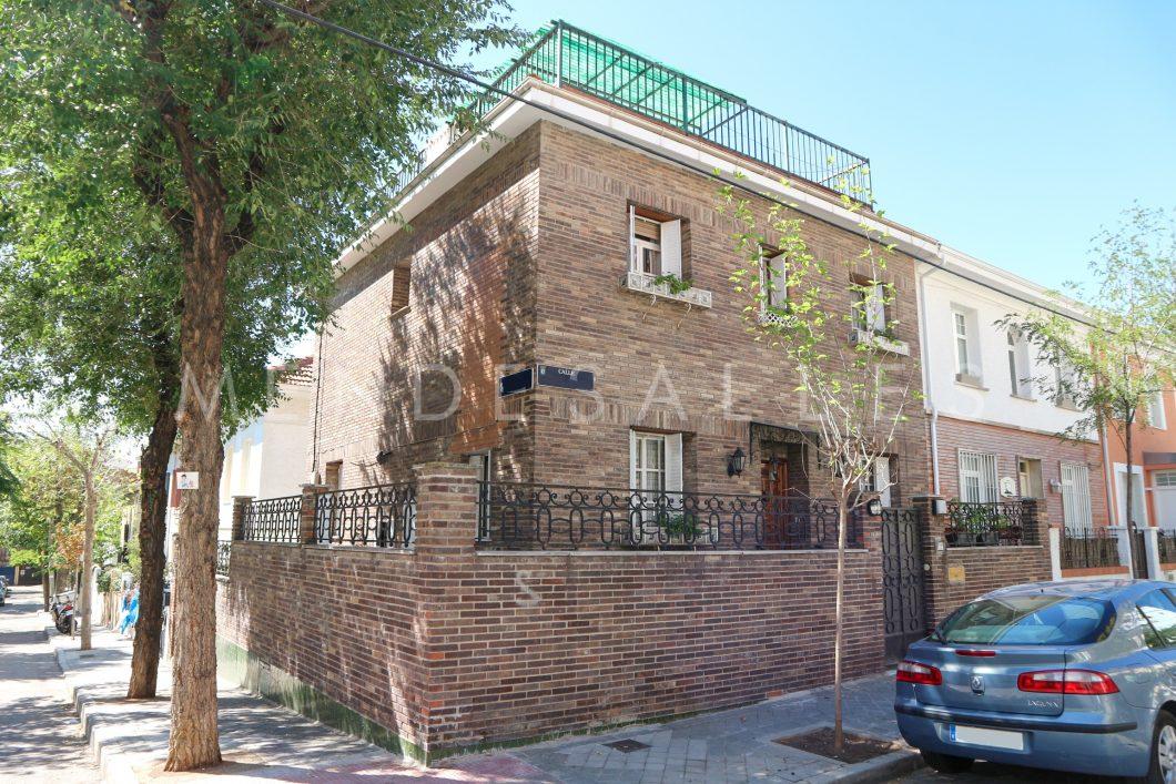 En Venta Chalet Unifamiliar En Urbanización Fuente Del Berro Madrid